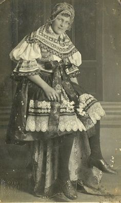 Folk Costume, Costumes, European Countries, Vintage Pictures, Czech Republic, Fashion History, Traditional Dresses, Folklore, Custom Framing