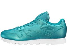 Reebok Classic Leather Pearlized, le sneakers che ti regalano una luce in più. Disponibili nelle diverse varianti di colore su idealo.it