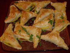 Paszteciki z Nadzieniem po Chińsku to chrupiące warzywa z nutą imbiru, czosnku i curry. Pyszna przekąska na imprezę także dla wegetarian.