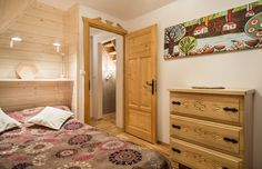Dom Malina Zakopane holiday rent Tatra ski chalet cozy cottage góralski design funny art crafts drawers meble drewniane wood nature
