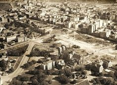 Aerial photo of Sydney with Hyde Park in the centre (year unknown...possibly 1929).