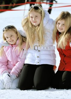 koninklijkhuis:  Dutch photoshoot in Lech, Austria, February 23, 2015-Princess Ariane, Princess Amalia and Princess Alexia