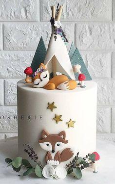 Another woodland cake but this time just the foxy fox 🐺 under her little teepee. Our client really loved our previous woodland cake design but as always we like to make each creation different so every cake is unique and special 🍂🌿🍃🍄 Gateau Baby Shower, Baby Shower Cakes, Fondant Cakes, Cupcake Cakes, Fondant Cake Decorations, Cake Cookies, Fox Cake, Baby Birthday Cakes, Baby Cakes