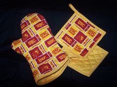 USC College Oven Mitt  Pot holder BBQ Tailgate set by stichingram, $20.00