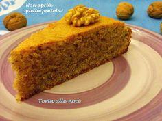 Iniziamo la settimana con una morbidosissima torta? Oggi vi offriamo una fettina di torta alle noci secondo la ricetta di Kima :) http://blog.giallozafferano.it/nonapritequellapentola/torta-alle-noci/ #nonapritequellapentola #giallozafferano #iltedellecinque #te #tea #teatime #noci #fruttasecca #dolce #dessert #cake