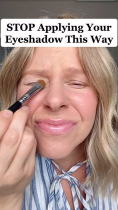 juls_rosemond • Julia Rosemond Beauty Everyday Makeup, Makeup Tips, Eyeshadow, How To Apply, Beauty, Eye Shadow, Daily Makeup, Makeup Routine, Make Up Tips