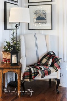Christmas Home Tour by The Wood Grain Cottage Cozy corner