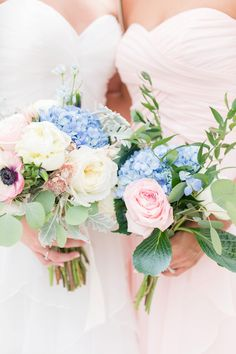 Woman's Club of Portsmouth Wedding by Angie McPherson Photography, blush bridesmaid dresses
