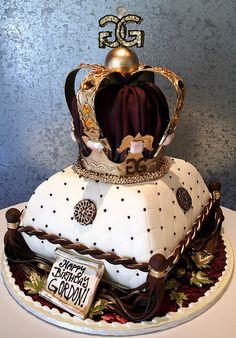 Kings Crown Money Birthday Cake, Gold Birthday Cake, Pretty Cakes, Beautiful Cakes, Amazing Cakes, Victoria Secret Cake, Pillow Cakes, Prince Cake, Royal Cakes
