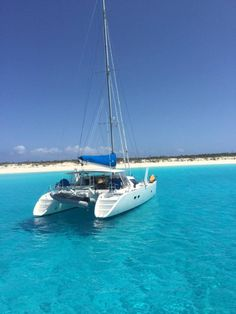 You Can Find Help For Making Travel Plans. Whether the main point of your travel is business or pleasure, proper planning makes it more enjoyable. Ocean Sailing, Sailing Catamaran, Sailing Ships, Sailboat Living, Living On A Boat, Yacht Design, Boat Design, Backpacking South America, Canal Boat