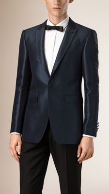 Burberry slim fit evening jacket in an Italian-woven silk blend with modern texture and lustre. The design has a half-canvas construction with several layers of natural horsehair. Discover men's tailoring at Burberry.com