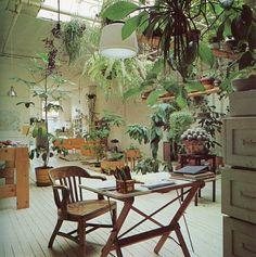 Veel groen en hangende planten, voor een natuurlijk gevoel