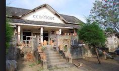 Complexe de Loisirs et de Jeux destiné à la société coloniale devenu aujourd'hui Centre Céramique à Grand Bassam en Côte D'Ivoire en Afrique de L'Ouest
