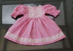 Puppenkleidung-Puppenkleid-Nostalgie-Puppen-rosa-Schildkroetpuppe-70-cm