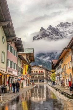 The picture-perfect town on #Mittenwald, in the heart of Bavarian #Germany