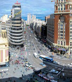 Gran Via Madrid - Edificio Capitol - Callao