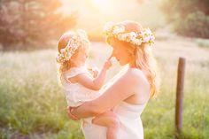 Beautiful Sunrise Farm Maternity Shoot