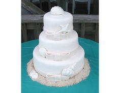Great Cakes! of the Outer Banks spent 33 years crafting wedding cakes and specialty cakes. .All cakes are baked fresh and can be delivered to your event, whether on the Outer Banks or Currituck County. References are available.