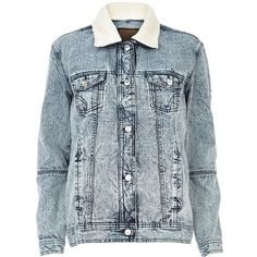 River Island Light acid wash borg collar denim jacket ($43) ❤ liked on Polyvore featuring outerwear, jackets, coats, tops, sale, blue jackets, river island, blue jean jacket, acid wash jean jacket and jean jacket