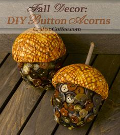 DIY Button Acorns for fall. I love the colors on these Button Acorns. Autumn Crafts, Thanksgiving Crafts, Holiday Crafts, Fall Halloween, Halloween Crafts, Acorn Crafts, Crafts For Kids, Diy Crafts, Gland