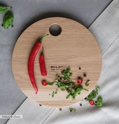 MILONI cutting board - small size (25cm). Multipurpose. A must have in every kitchen. #miloni #meble #drewno #design #furniture #design #wood #cutting #board #christmas #christmascontest #milonimeble #kitchen #instafood #musthave