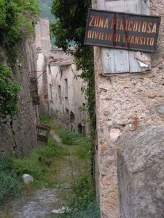 An Abandoned Village in Italy http://www.celtictours.com