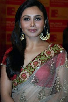 Rani Mukherjee's Best Haircut for Long Necks and Round Faces, How to style Top 25 Best Haircuts for Long Necks and Round Faces, Difference between long and oval face, high neck celebrity dresses and street styles.