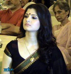 "Bengali actress Srabanti Malakar (Srabonti) at Aparna Sen's book reading session at Taj Bengal for upcoming Bengali feature film ""Goyenar Baksho"" - a complete photo-feature on the innovative event at http://j.mp/goynar-baksho-taj-bengal"