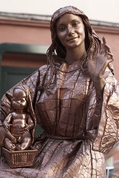 Living Statues Around the World pics) Alexander Calder, Louise Bourgeois, Barbara Hepworth, Auguste Rodin, Wassily Kandinsky, Wyrd Sisters, Living Statue, Art Through The Ages, Great Works Of Art