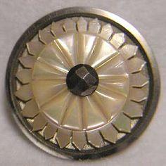 Prix de vente de boutons anciens de collection : Boutons en Nacre, - Price of shell buttons