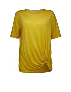 Leyla top - Women's round-neck top in soft lyocell. Features twisted knot detail at front hem for drapy effect. Regular fit. Hip length.