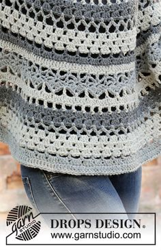 Crocheted poncho-sweater in DROPS Nepal. The piece is worked top down with lace pattern and stripes. Sizes S – XXXL.Ravelry: Insolence pattern by DROPS design Crochet Diy, Crochet Coat, Crochet Cardigan, Crochet Scarves, Crochet Shawl, Crochet Jacket, Crochet Clothes, Crochet Stitches, Crochet Designs