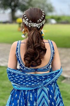 Indian wedding hairstyles can be very versatile and because we have so many lovely accessories, the hair becomes all the more important. So if you're a bride who wishes to rock her hair and inspire future brides with #hairgoals, here are a few bridal hairstyles that you must try.