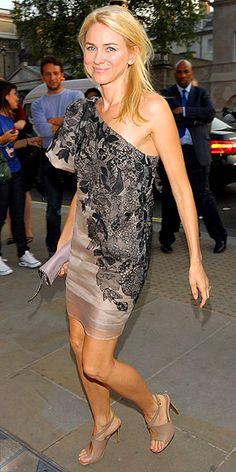 Naomi Watts in Stella McCartney. Lovin the whole look!