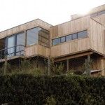 A striking timber home set on the dunes gives its owners a feeling of permanent holidays...