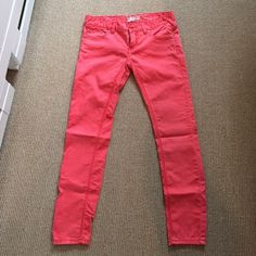 "Coral skinny pants Free People colored skinny jeans with classic five pocket styling. Hits about ankle length (full length on me because I'm 5'3""). Work only twice Free People Pants Skinny"