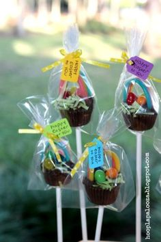 DIY Mini Reese's Cup Easter Baskets