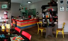Curta Mais encontrou 6 novos achadinhos em Goiânia aconchegantes e cheios de charme perfeitos par tomar um bom café.