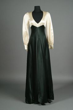 Arnold Scaasi evening dress designed for Barbra Streisand http://www.liveauctioneers.com/item/327448
