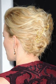 Oh, my GOD!!!  I LOVE the swallow Hair pins in her chignon!!!!!