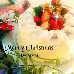 やっとクリスマス本番!エンゼル型でスポンジ焼いて真ん中にいちごぶっこんだ~٩(๑❛ᴗ❛๑)۶ - 89件のもぐもぐ - ★エンジェルクリスマスケーキ★ by B L U E