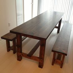 DIY Farmhouse Table-simple and easy. That's what I'm talking about!