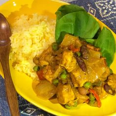 ルゥ不要!鶏むね肉とビーンズのカレー Thai Red Curry, Ethnic Recipes, Food, Essen, Meals, Yemek, Eten