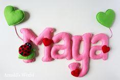 Letrero de fieltro personalizado para Maya con mariquita y corazones - Anuski´s World