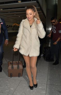 ariana grande is counting down to the dangerous woman tour 01 Ariana Grande London, Ariana Grande Big Sean, Ariana Grande Pictures, Dangerous Woman Tour, Tan Pantyhose, Nylons, Airport Style, My Idol, Celebs