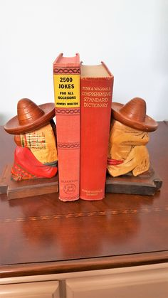 IN THE SHOP: Vintage Wooden Mexican Siesta Bookends by SoDarnedVintage on Etsy   #books #bookends #read #reading #bookshelf #bookshelfstyling #vintagebookends #fleamarketstyle #vintage #sodarnedvintage #etsy