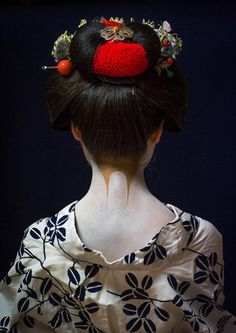 "thecolorcommunity: "" A Maiko girl in Kyoto Japan by Eric Lafforgue on Flickr. """