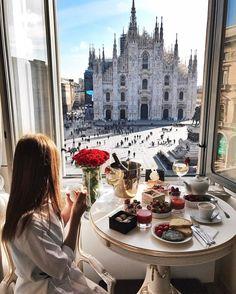 """welcometoitalia:  """"Milano  """""""