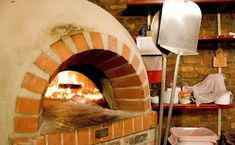 Build your own pizza oven – building instructions for a stone oven in the garden – Fireplace Ideas 2020 Wood Fired Oven, Wood Fired Pizza, Recycled Pallets, Wood Pallets, Masonry Work, Outdoor Oven, Outdoor Barbeque, Outdoor Pool, Four A Pizza
