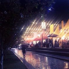 How beautiful is this pic? // RG: Friday night at Tasting Australia! 🌙✨🍷🍿 #centralmarket #adelaide #werkperks 📷: @claire_allan